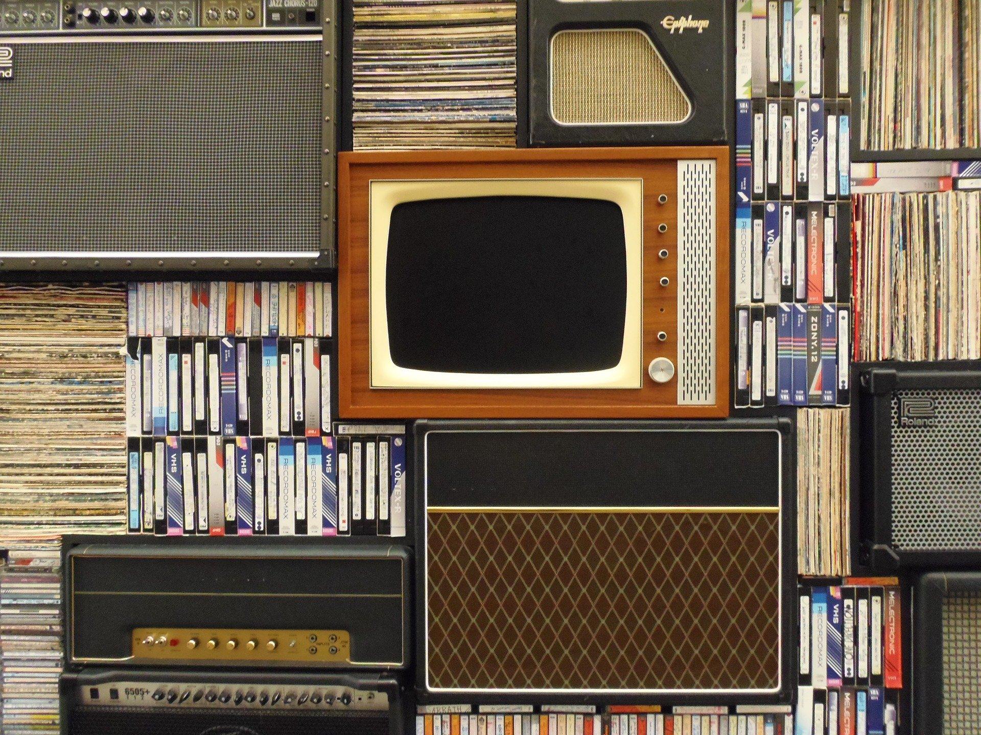 Report de la contribution à l'audiovisuel public